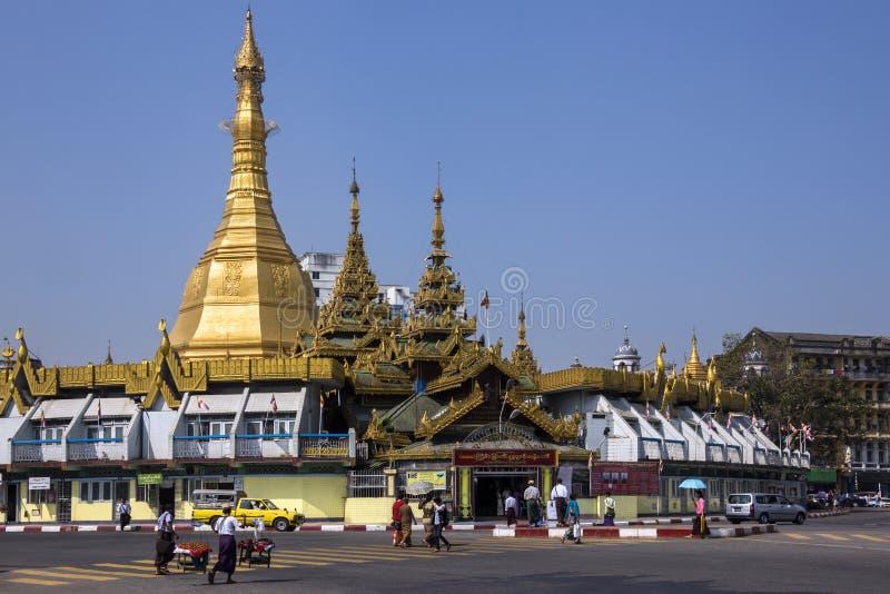 Sule Pagoda - Yangon - Myanmar arkivbild