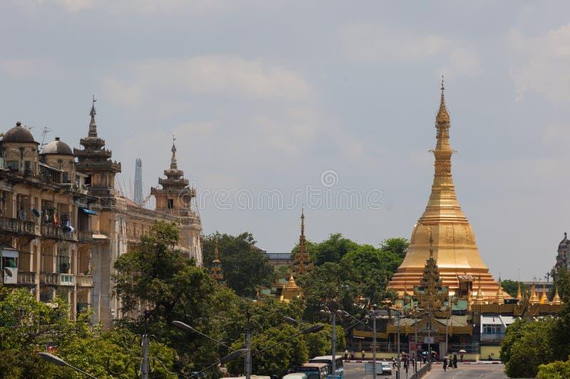Sule paya (pagoda). Yangon. Myanmar. royaltyfri fotografi