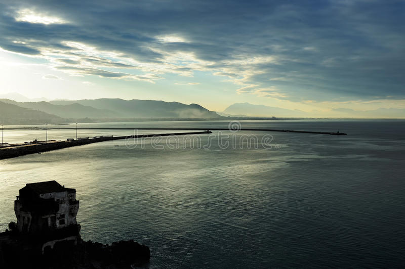 Sull'entrata al porto di Salerno, campania, Italia immagine stock