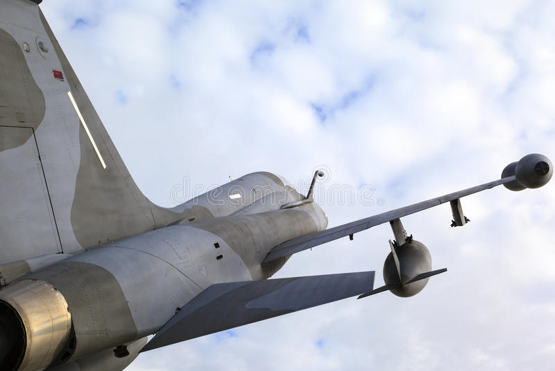 Sulla pattuglia - aereo da caccia in a mezz'aria immagine stock libera da diritti