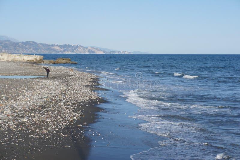 Sulla spiaggia a Torrox Spagna fotografia stock libera da diritti