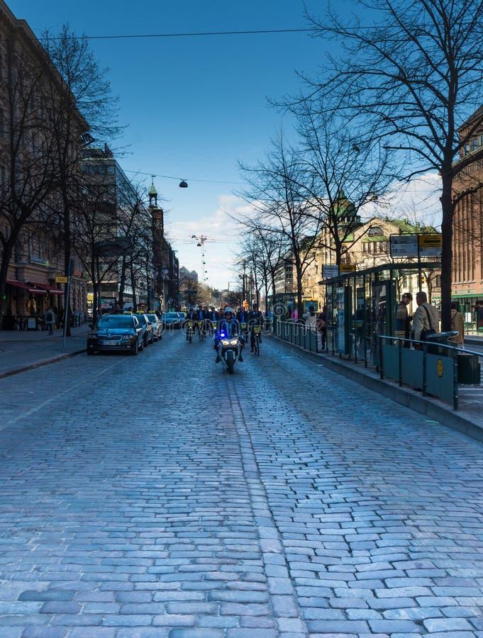 Sulle vie di Helsinki fotografie stock