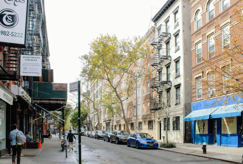 Sullivan Street en Lower Manhattan fotos de archivo libres de regalías
