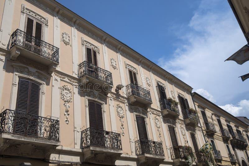 Sulmona Abruzzo, Ιταλία, ιστορικά κτήρια στοκ εικόνες