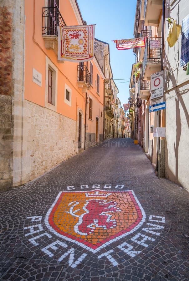 Sulmona w lato ranku, L ` Aquila prowincja, Abruzzo, środkowy Włochy fotografia royalty free