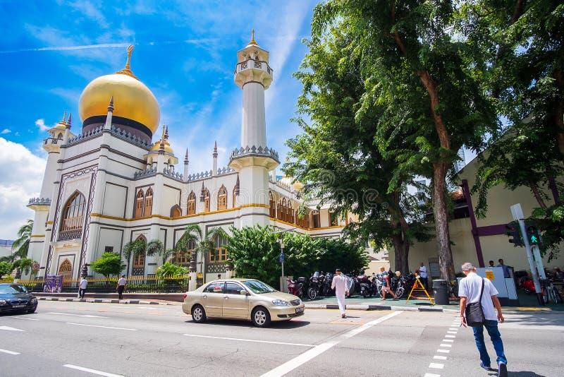 Sultán de Masjid, mezquita de Singapur en encanto histórico del Kampong con Golden Dome y pasillo enorme del rezo se?al y popular imagen de archivo libre de regalías