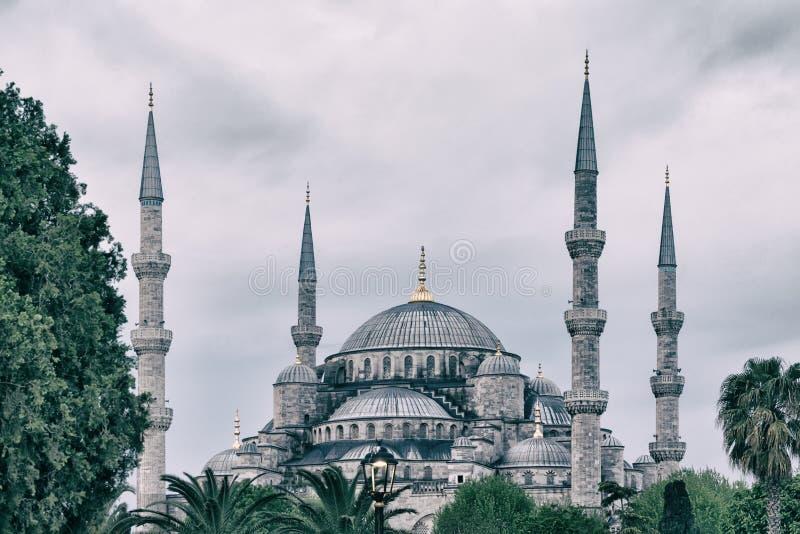 Sultan Ahmed Mosque eller den blåa moskén i Istanbul royaltyfria bilder