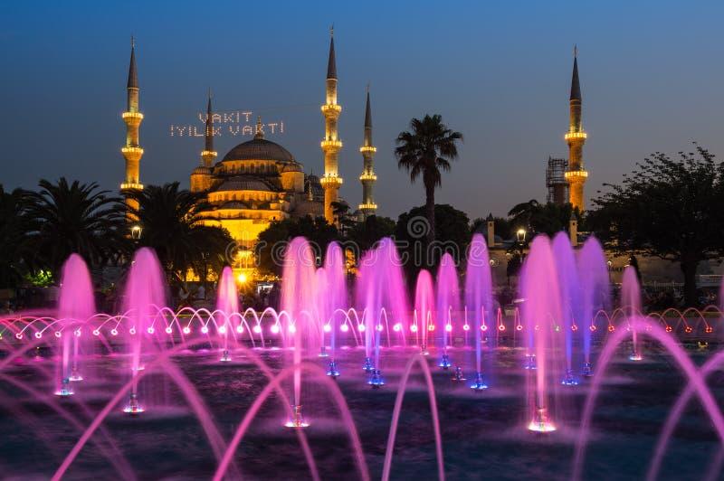 Sultan Ahmet Mosque på solnedgång royaltyfri bild