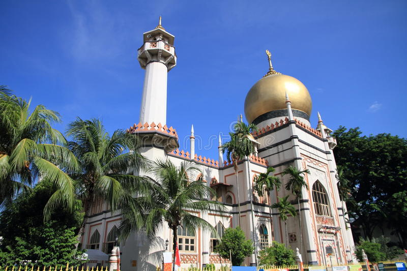 Sultan mosque. With the golden dome royalty free stock photography