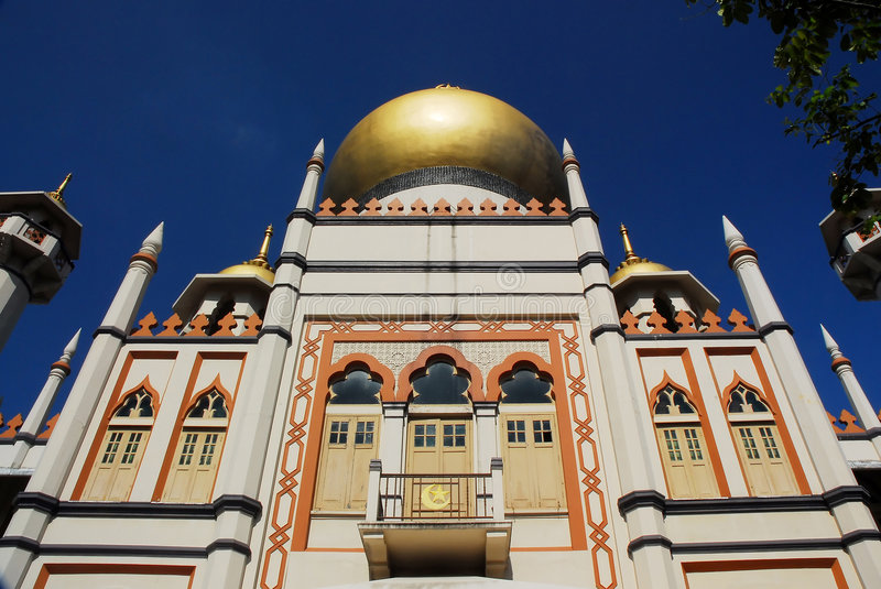 Sultan mosque singapore 1. Sultan mosque in singapore and a clear blue sky royalty free stock photo