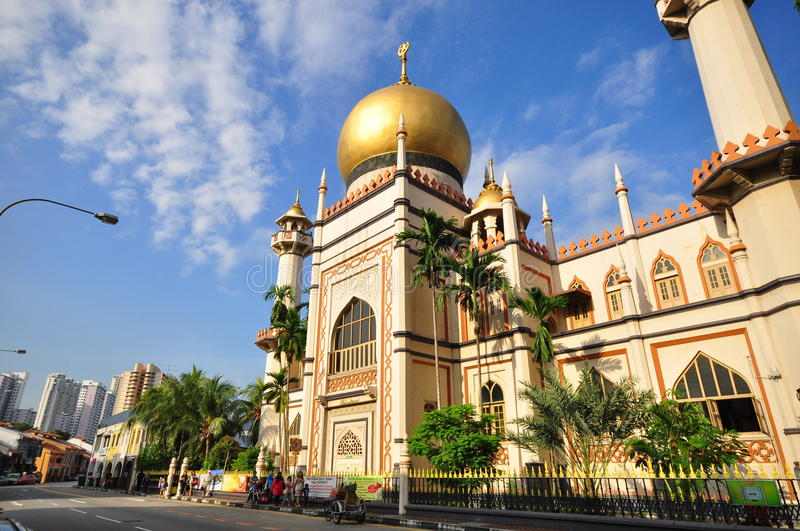 Download Sultan Mosque, Singapore editorial photo. Image of road - 14613531
