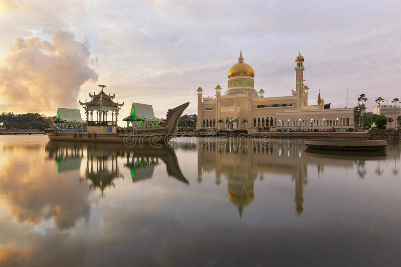 Sultan Omar Ali Saifuddien Mosque in Brunei royalty-vrije stock afbeelding