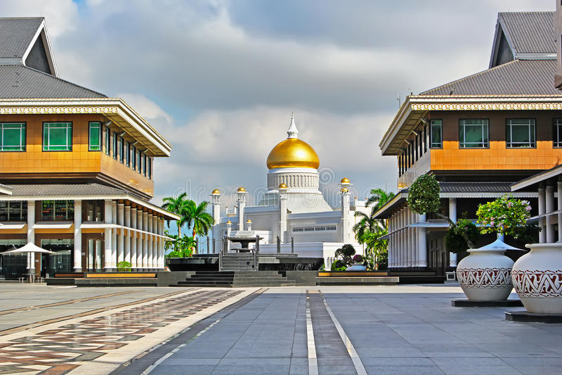 Sultan Omar Ali Saifuddin Mosque em Bandar Seri Begawan Brunei foto de stock royalty free