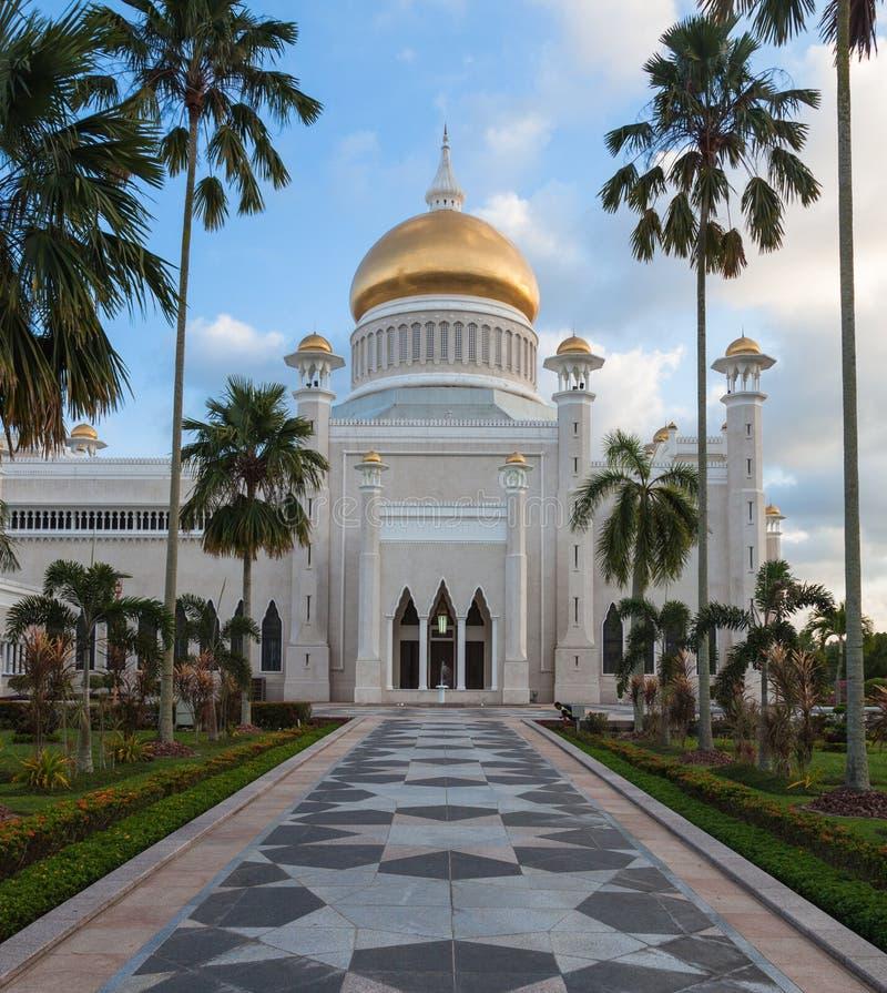 Sultan Omar Ali Saifuddin Mosque em Brunei Darussalam fotografia de stock royalty free