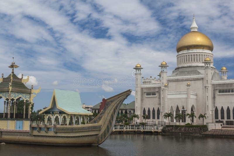 Sultan Omar Ali Saifuddin Mosque en Bandar Seri Begawan photo stock