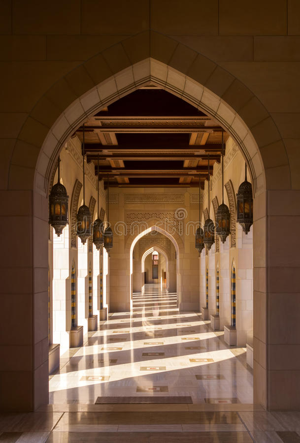 Sultan Qaboos Grand Mosque em Muscat, Omã foto de stock