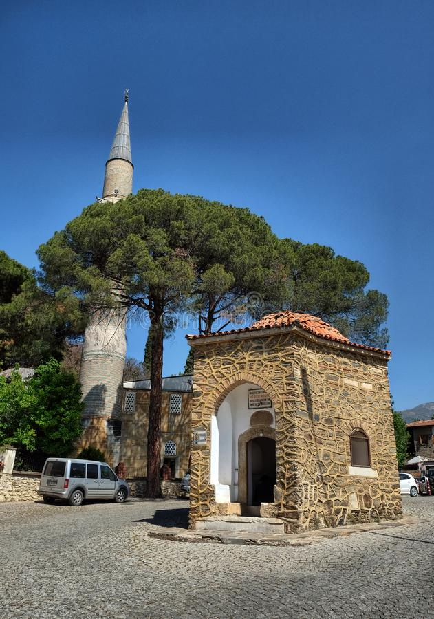 Sultan Sah Tomb royaltyfri bild
