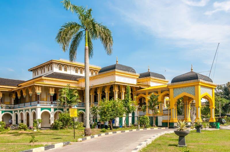 Sultan slott i Medan arkivbild