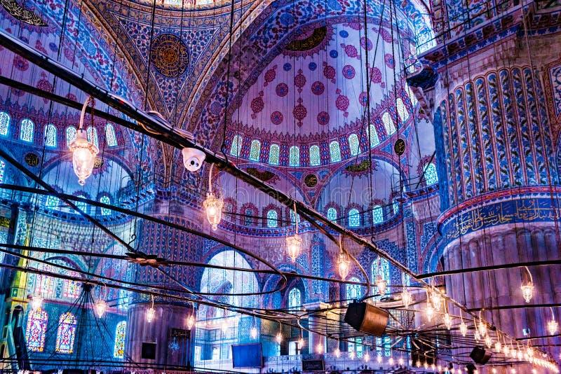 Sultanahmet清真寺的内部在伊斯坦布尔,土耳其 免版税库存照片
