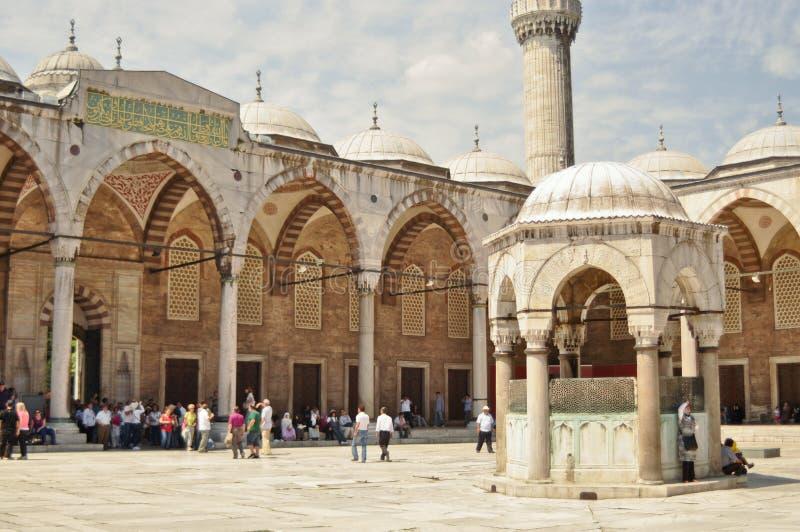 sultanahmet podwórzowi meczetowi turyści obraz royalty free