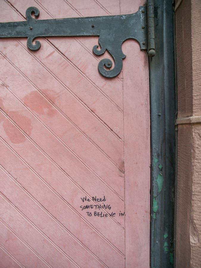 Sumário cor-de-rosa da porta imagem de stock