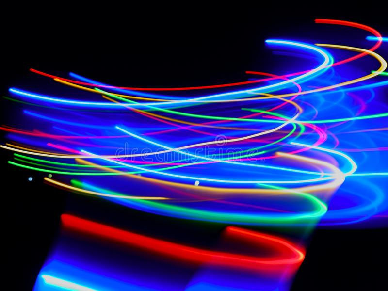 Sumário de colorido obscuro de luzes do diodo emissor de luz dos movimentos fotos de stock royalty free