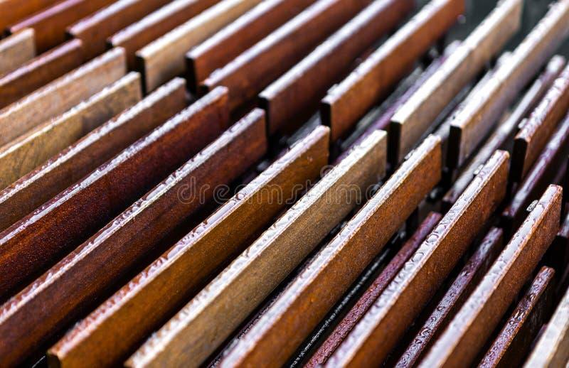 Sumário de madeira molhado foto de stock