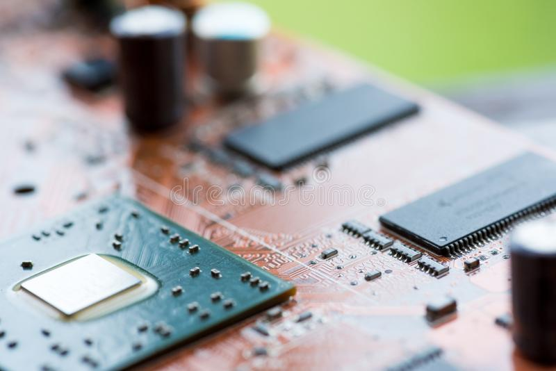Sumário, fim acima do fundo do computador eletrônico de Mainboard placa de lógica, cartão-matriz do processador central, prato pr fotografia de stock