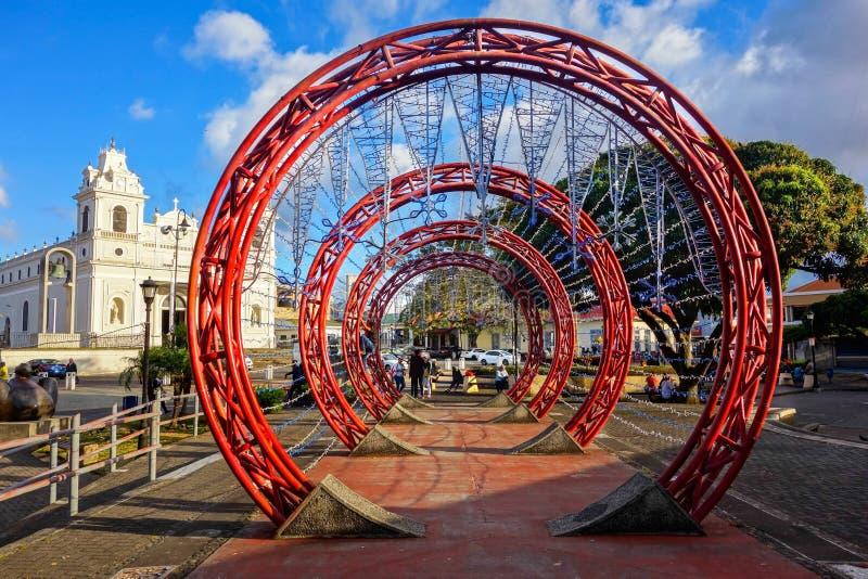 Sumário vermelho concêntrico Art Plaza De La Artes San Jose Costa Rica Town Square dos círculos fotos de stock royalty free