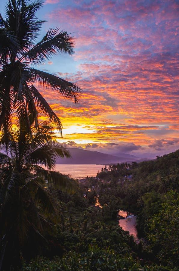 Sumatera del oeste de Singkarak del lago Ombilin fotos de archivo