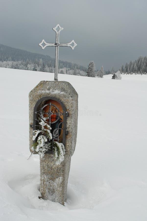 Sumava, une croix sur le ¡ Kvilda de Horskà photo libre de droits