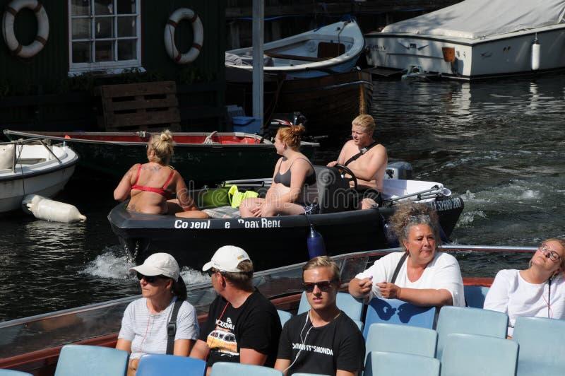 SUMER-VÄRMEBÖLJA OCH TURISM I DANMARK royaltyfri foto