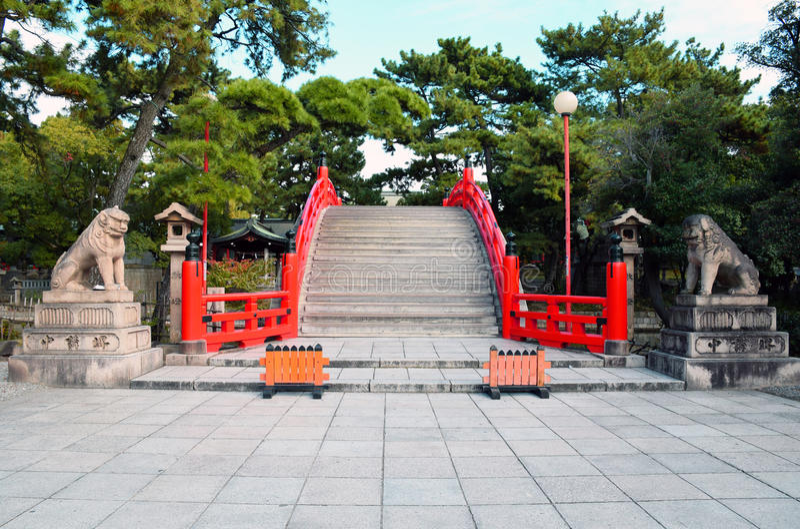 Sumiyoshi Taisha寺庙,大阪鼓桥梁  免版税库存照片