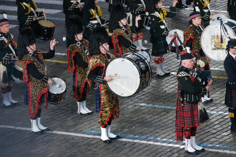 Summary band of bagpipes and drums