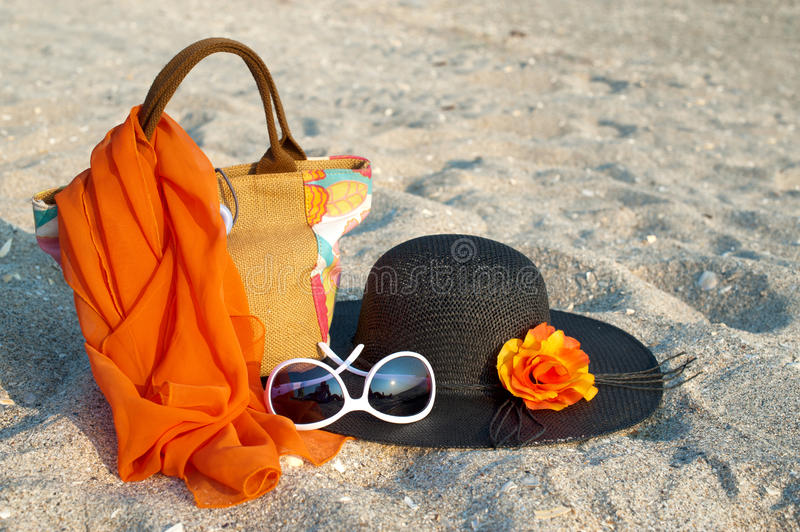 Download Summer Beach Bag With Straw Hat Stock Photo - Image: 23887436
