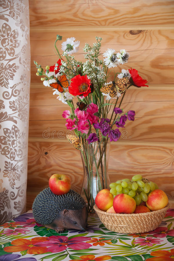 Free Summer Still Life And Hedgehog With Apple Royalty Free Stock Images - 29794699