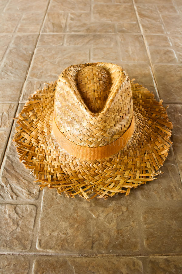 Free Summer Straw Hat On The Ground Royalty Free Stock Image - 20993216