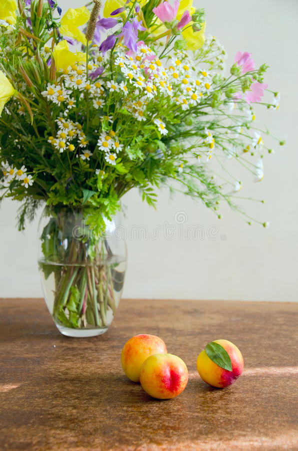 Download Summer Wild Flowers With Peaches Stock Image - Image: 25698015