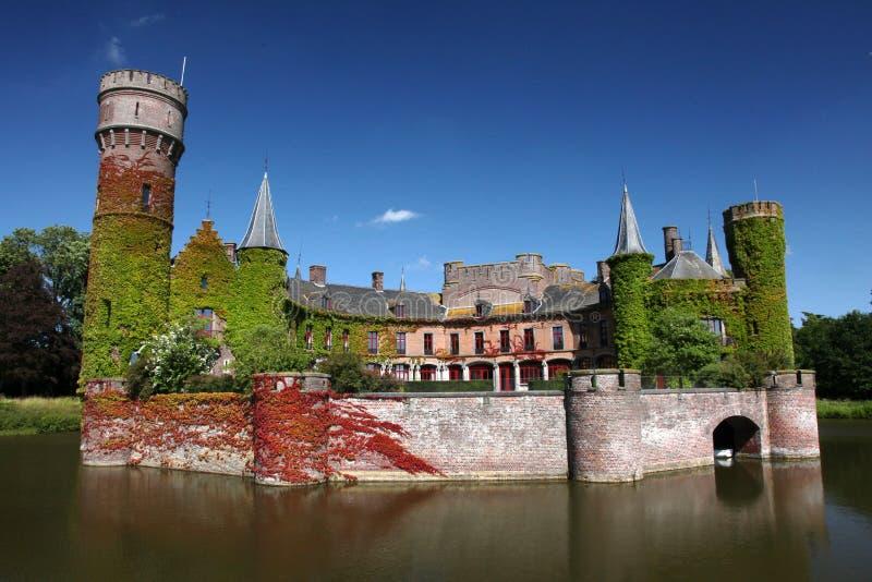 Summertime Seeschloss Belgien lizenzfreie stockfotografie
