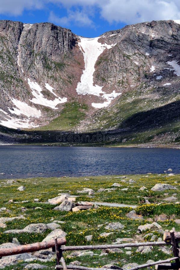 Summit See auf Berg Evans lizenzfreie stockfotografie