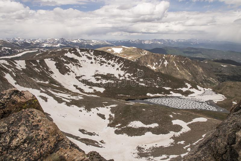 Summit See von Mt evans lizenzfreies stockfoto