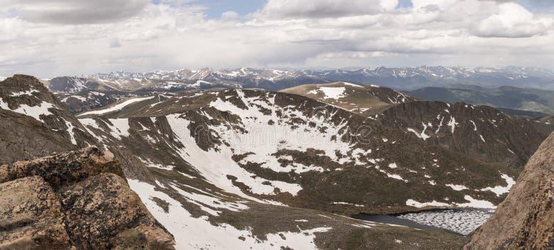 Summit See von Mt Evans Panoramic lizenzfreies stockbild
