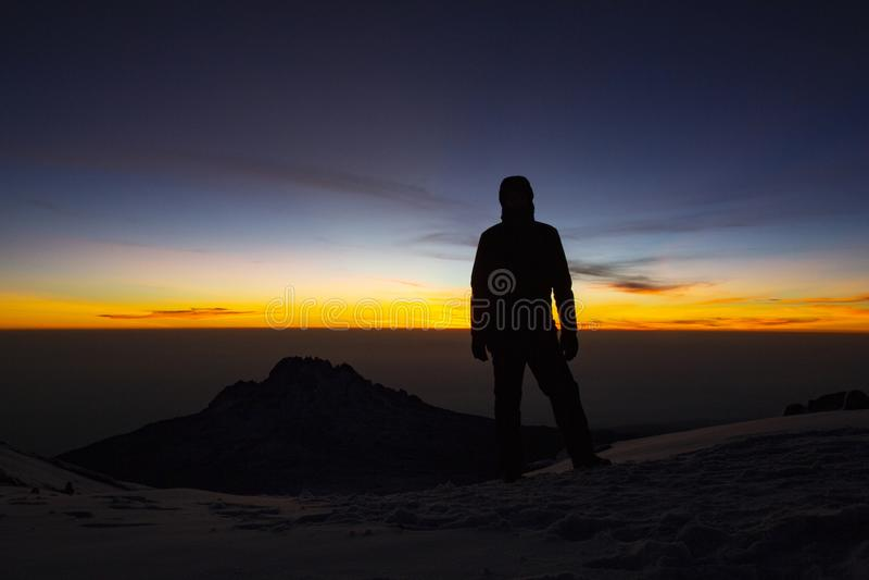 Summiteer Kilimanjaro lizenzfreies stockbild