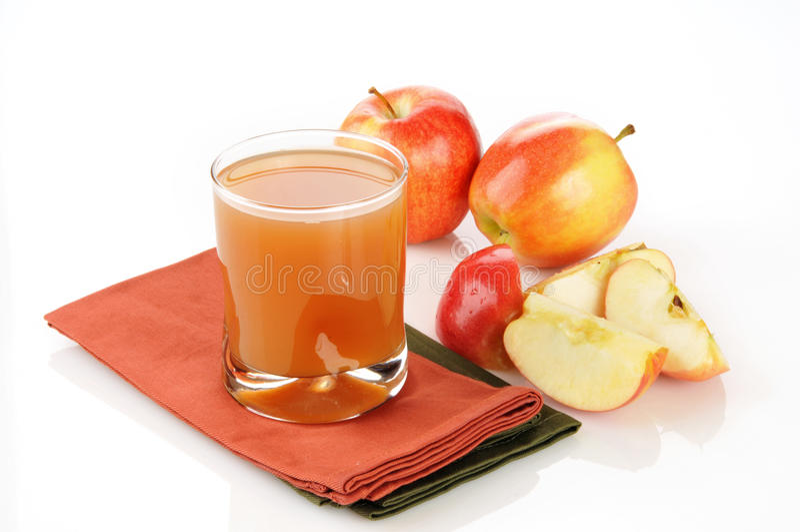 Sumo de maçã não filtrado fresco fotografia de stock