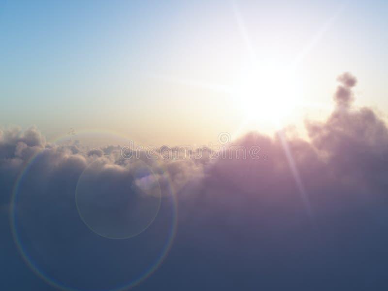 Sun über Wolken lizenzfreie stockfotos
