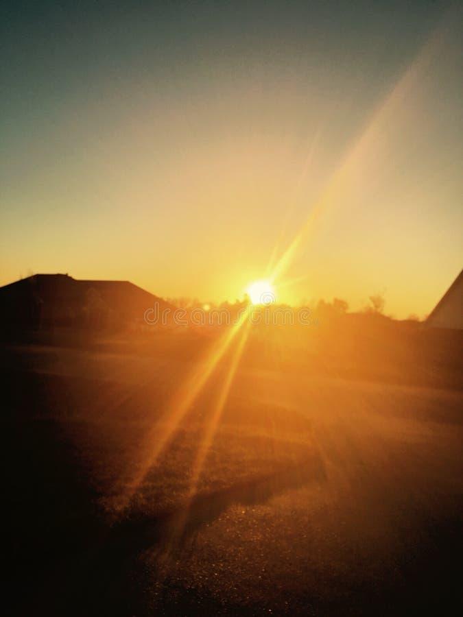 The Sun att glo som ett ljus på en spegel royaltyfri fotografi
