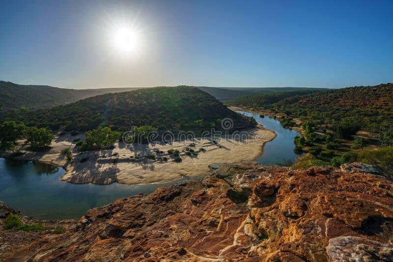 Sun au-dessus de traînée de boucle de fenêtre de natures, parc national de kalbarri, Australie occidentale 6 images stock