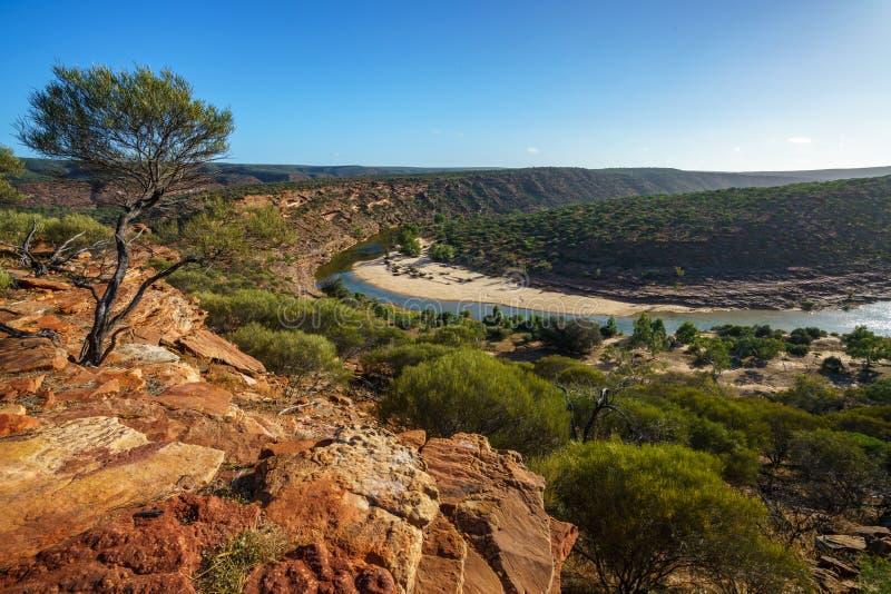 Sun au-dessus de traînée de boucle de fenêtre de natures, parc national de kalbarri, Australie occidentale 11 images stock