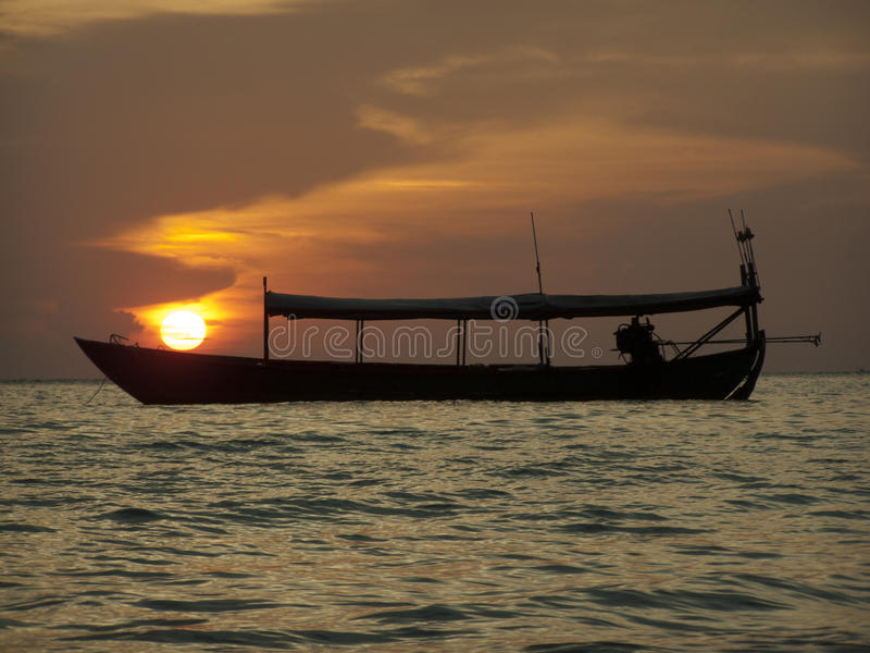Sun auf dem Boot lizenzfreie stockbilder