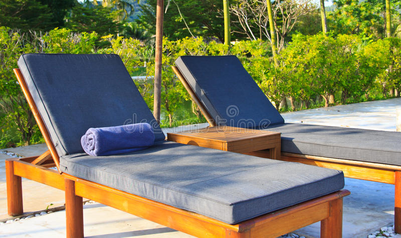 Amazing Download Sun Bathing Chairs In Resort, Huahin Thailand Stock Image   Image  Of Villa